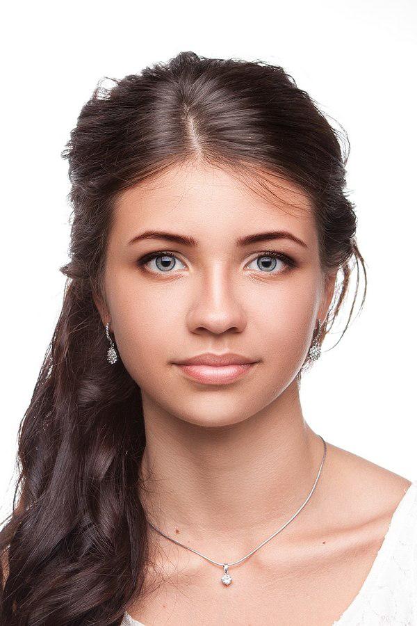 Какой сделать макияж для фото на права